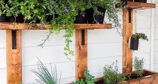 DIY Vertical Herb Garden and Planter (2x4 Challenge) -