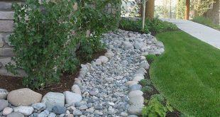 35+ The Popular Front Yard Rock Garden Ideas