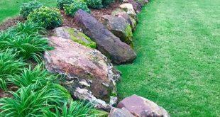Beautiful front yard rock garden landscaping idea. Source The Best Rock Garden L...