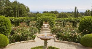 Oprah Winfrey's Rose Garden Is Just As Over-The-Top As You Might Imagine