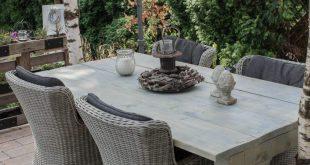 Unser neuer Gartentisch ist der neue Hingucker in unserem Garten. Und nicht nur