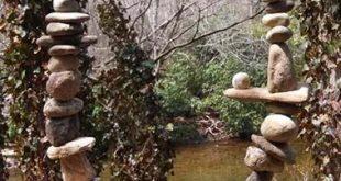 31 Amazing DIY Rock and Stone Garden Design Ideas -