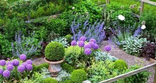 80 Fantastic Cottage Garden Ideas to Create Cozy Private Spot
